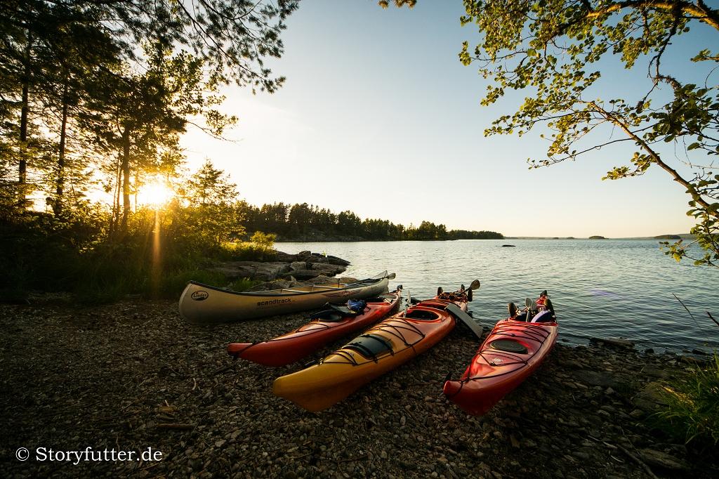 Kanutour Schweden: Kanus am Foxen