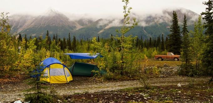 Bei Regenwetter im Zelt