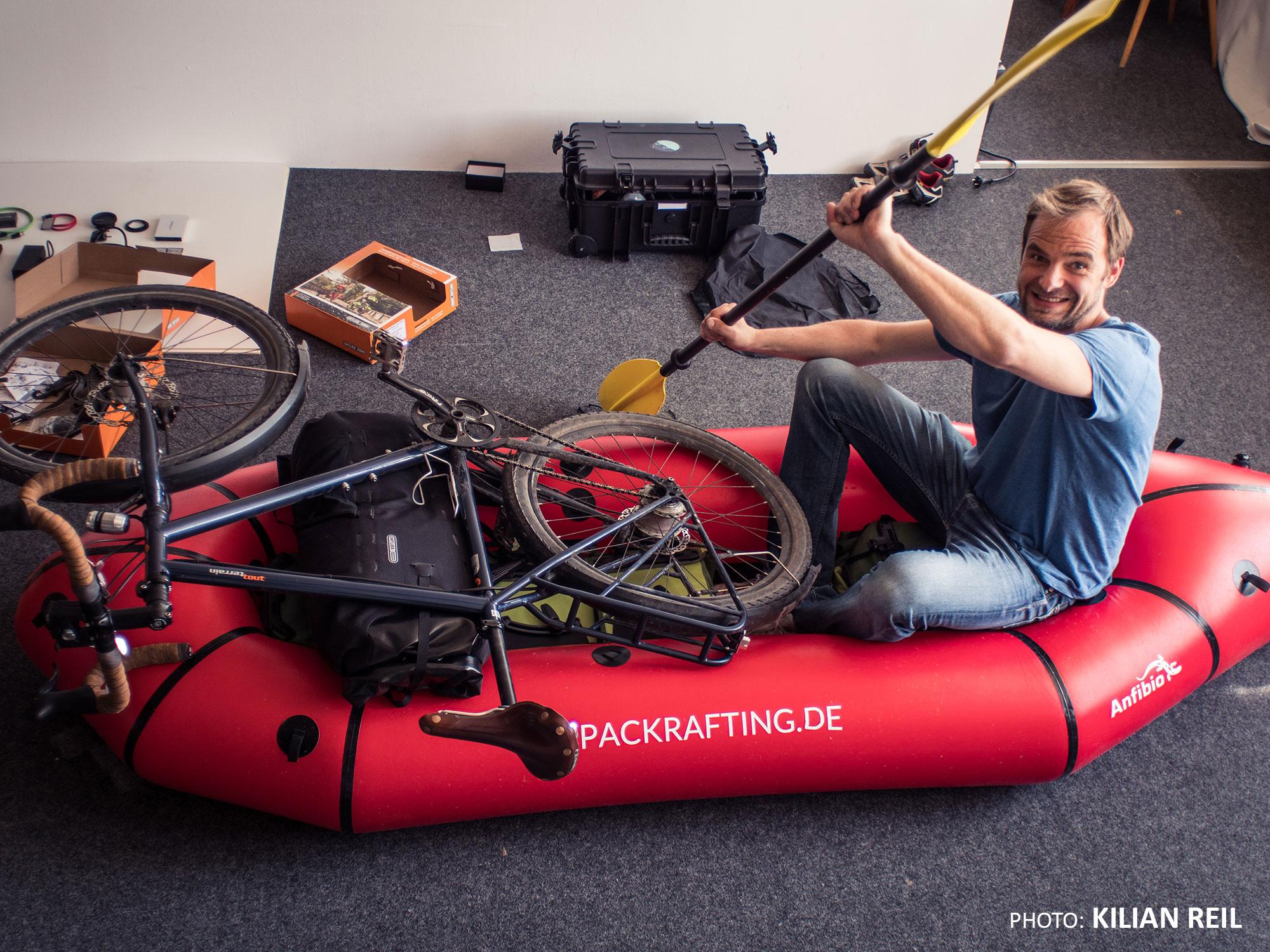 Bikerafting Jakutien Kilian Reil: Anfibio-Packraft mit Roman