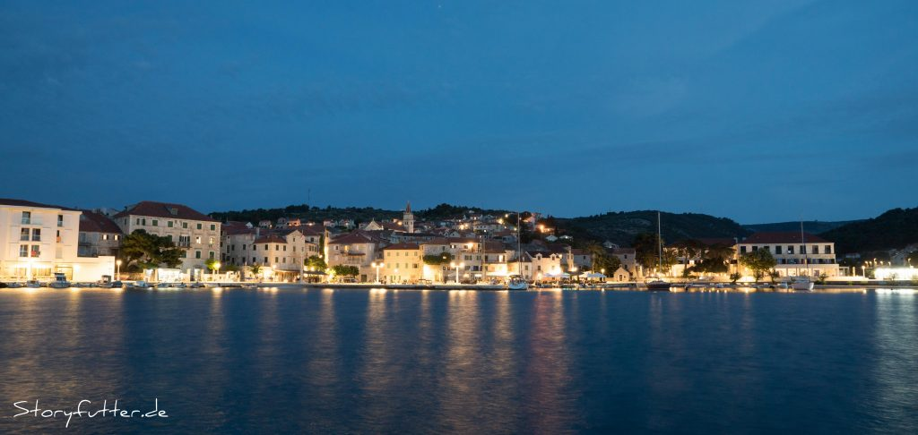 Postira Kroatien - bei Nacht